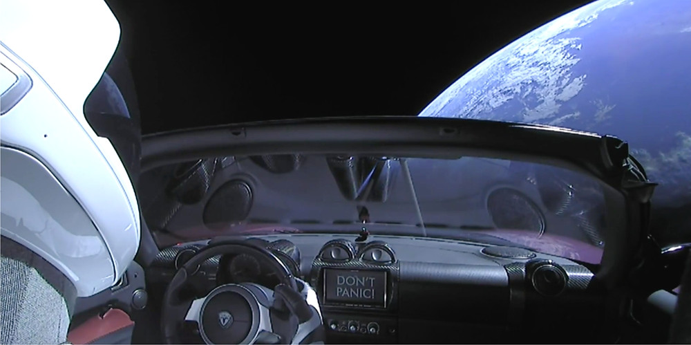 SPACEX carries a Roadster
