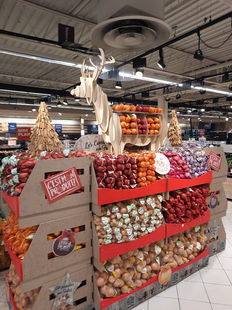 Carrefour St genevieve.jpg