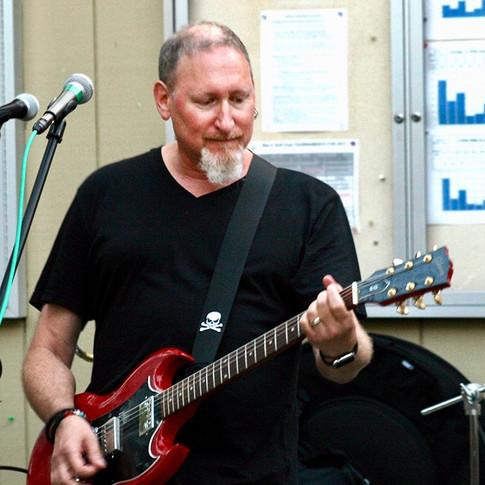 Cory Verbin (Guitar, Keyboards, Voclas)