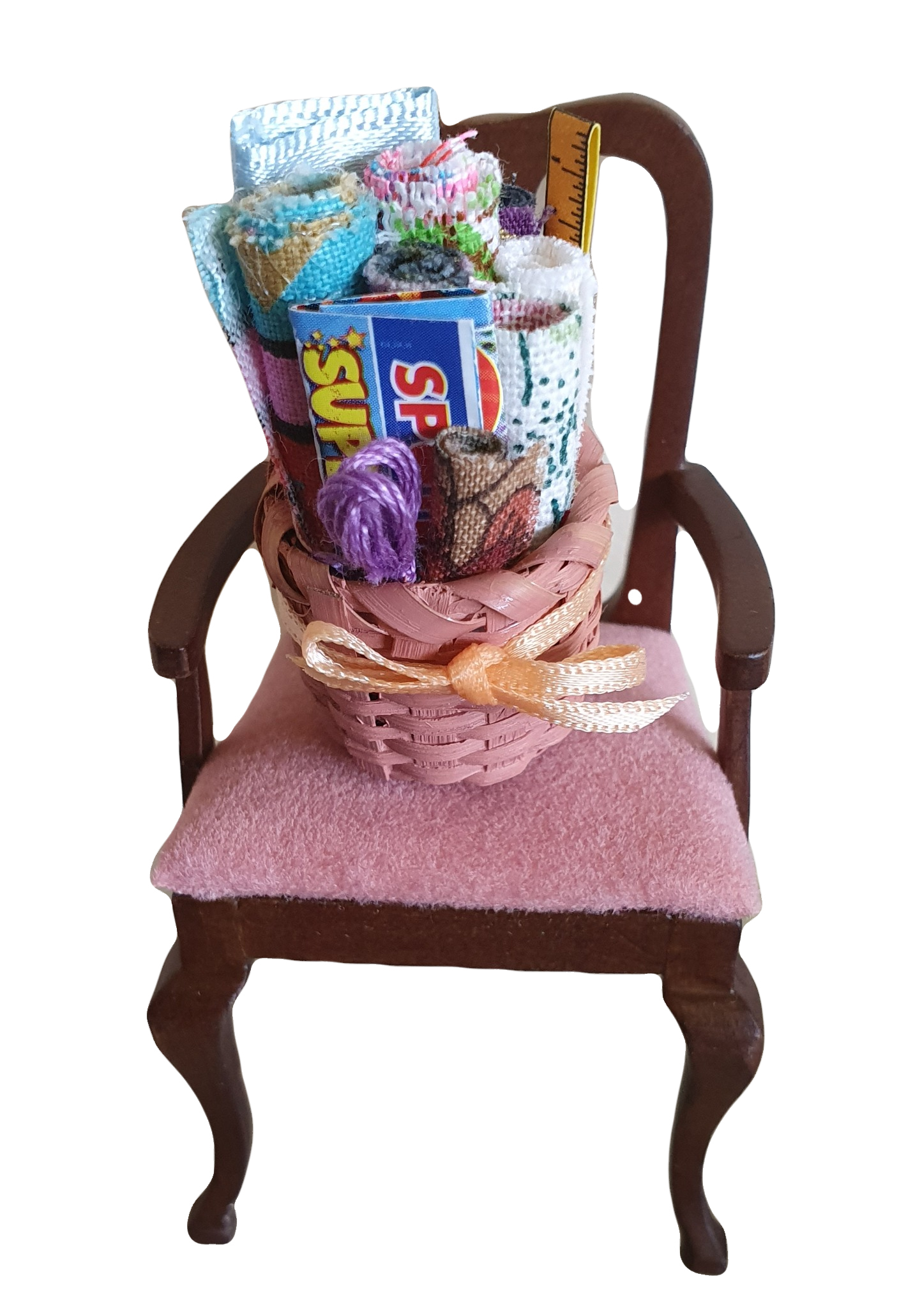 Round Basket w Materials $3