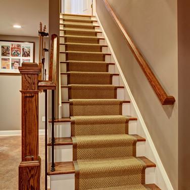 _MG_9605-11 LJ Basement (staircase to 1st fl) usm lvl2 v2.jpg