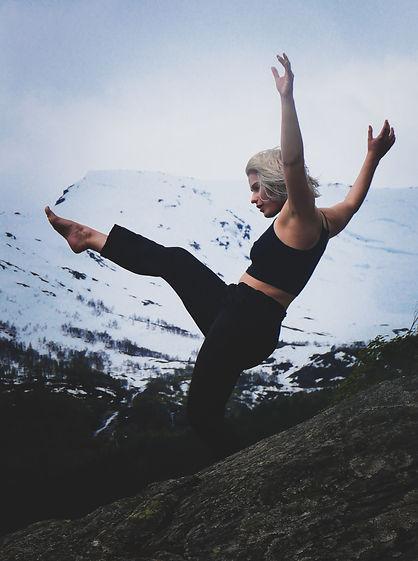 Amelie Roch Dance