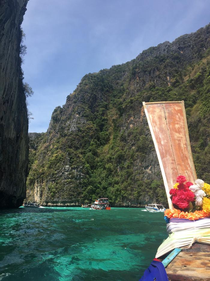 Phi Phi o cenário paradisíaco do filme A Praia.