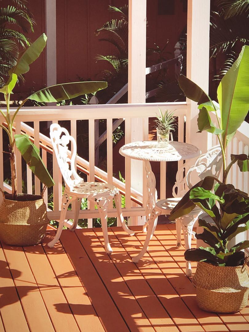 Waiting Area Maui Garden  Oasis