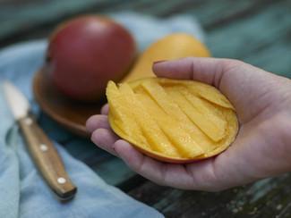 El mango ayudó a mejorar la salud cardiovascular e intestinal en las mujeres