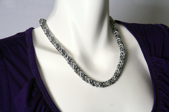 Soft & Sleek Persian Necklace