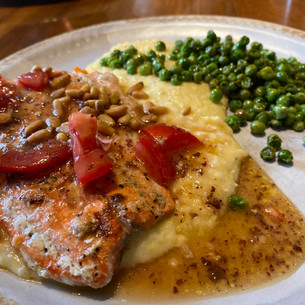 #whatsfordinner: Salmon & Grits!