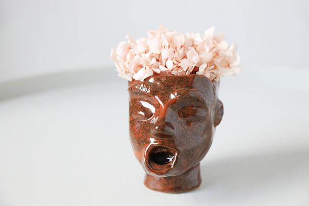 William  Ceramic pot    Clay, glazing  2019  Photo Hilja Mustonen Flowers Blomma Creatives