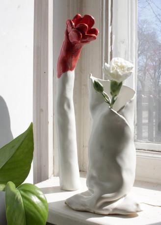 Poppy  2020  Lazy 2020  Ceramic pot  Clay, glazing