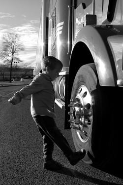 Portrait enfant et camion