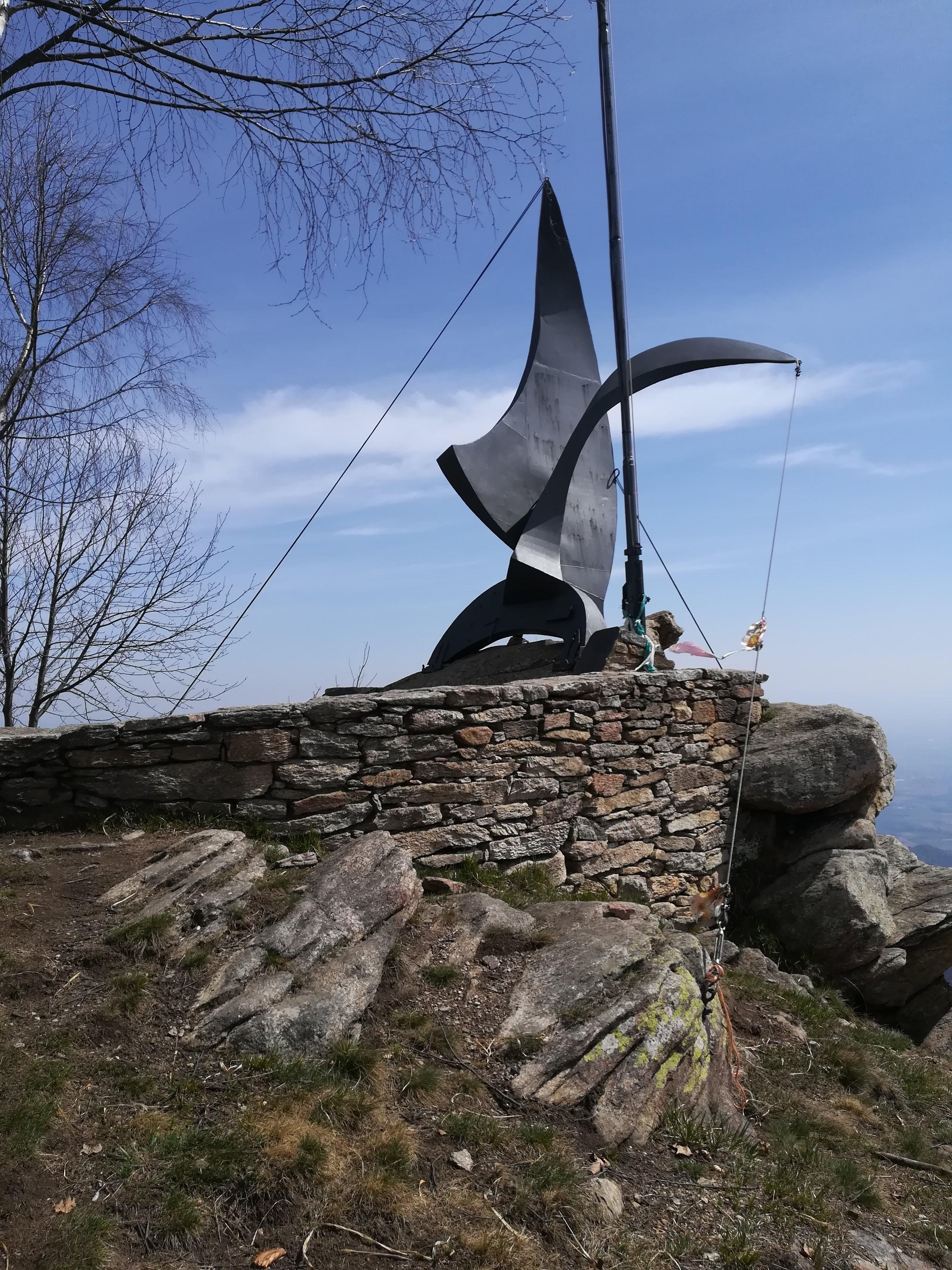 Freidour monument