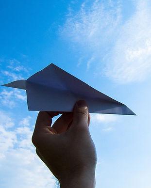 paper-plane-1607340_1280.jpg
