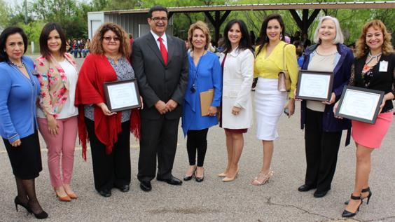 Celebran en el consulado el dia internacional de la mujer