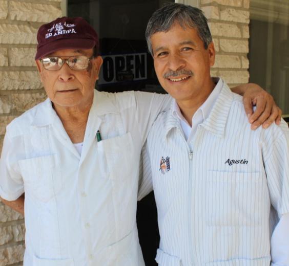 Los Agustine's, con mas de 50 años de experiencia en la noble labor de la peluqueria