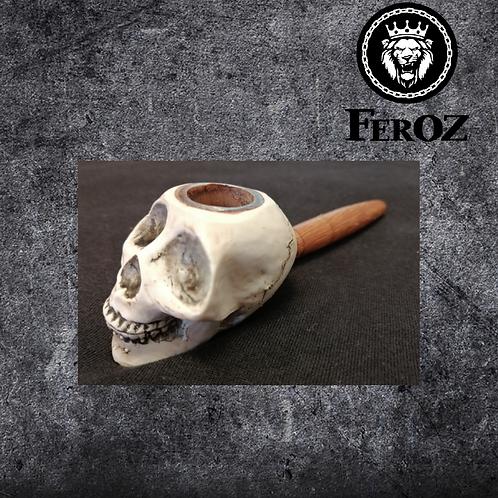 Pipa madera (cráneo)