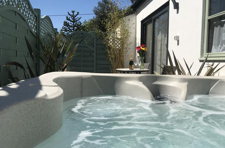 Studio Lodge Hot Tub