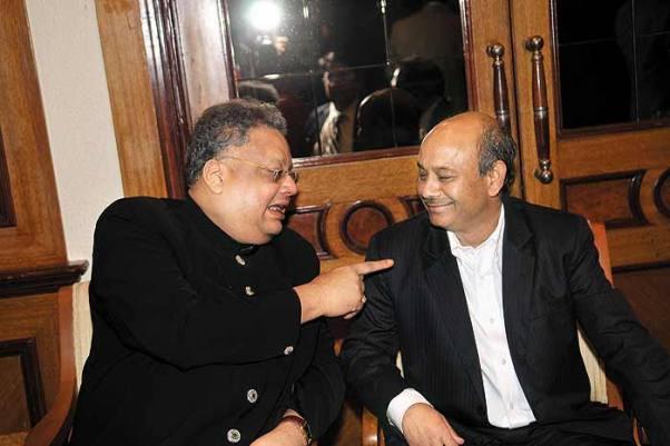 Image -  Rakesh Jhunjhunwala with Radhakishan Damani