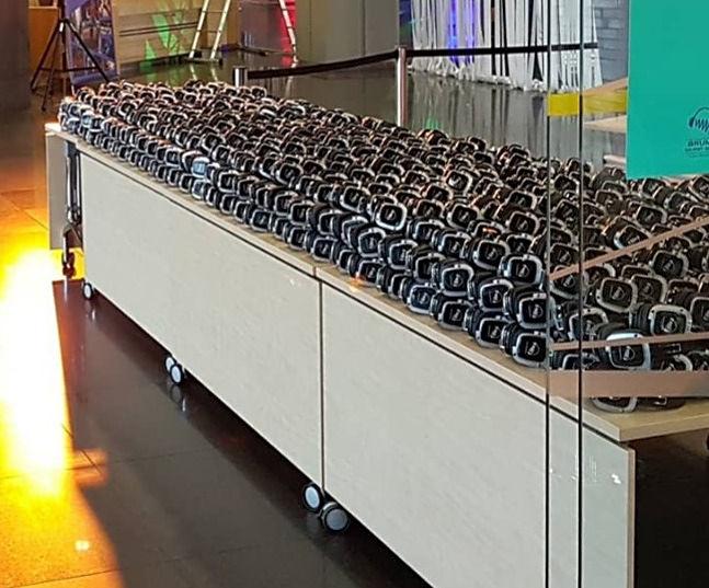 700 headphones