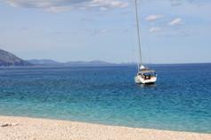 Segelboot vor Sardinien