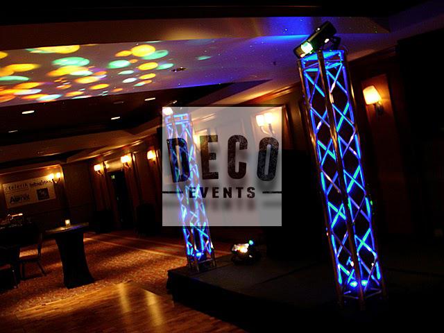 DECO_Events_location_structures_aluminium_totem_1