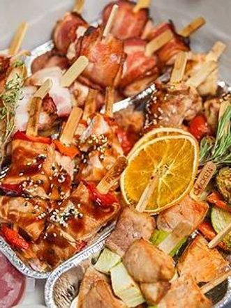 БОКС №10 Горячие шашлычки (с сёмгой, курицей, копченым сыром, овощами...) 30шт
