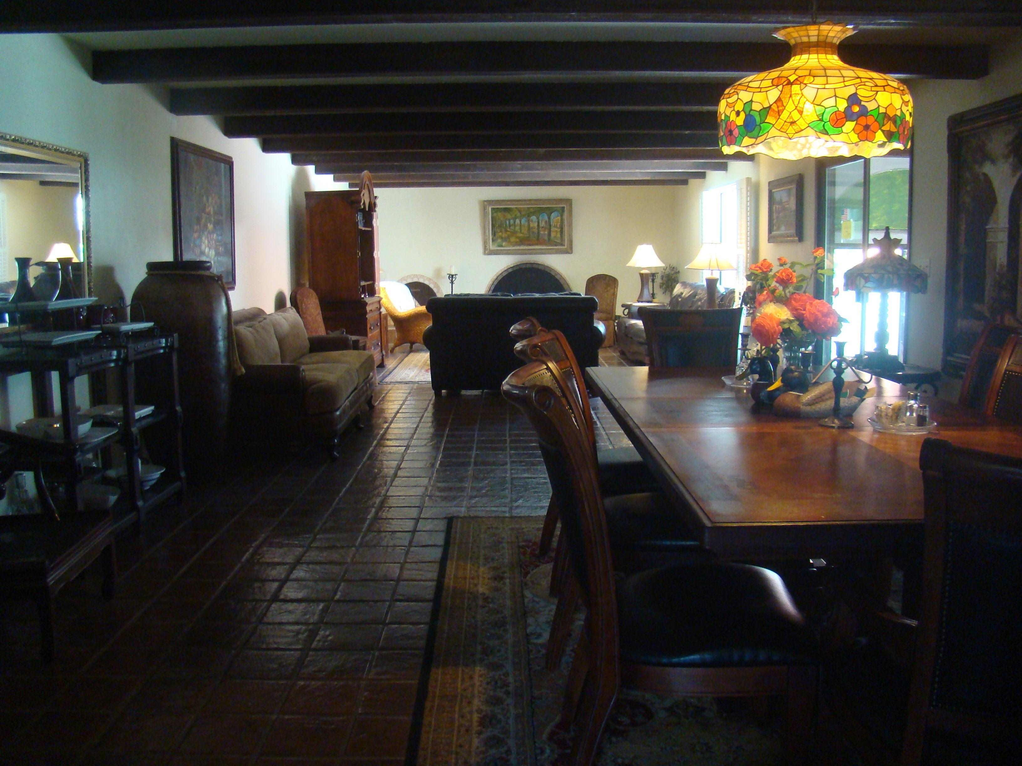 Napa Valley Villa Inn Living Area
