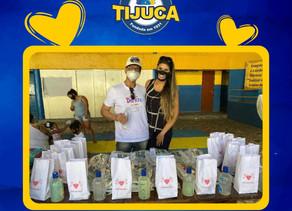 Ação distribui kits de higiene bucal para crianças na quadra da Unidos da Tijuca localizada no Borel