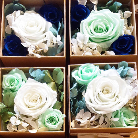 Box arrangement (small) Blue and green