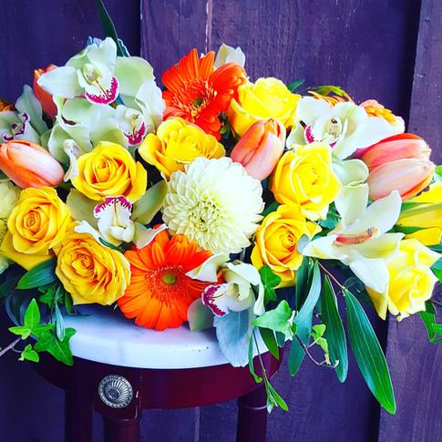 Tropical color arrangement