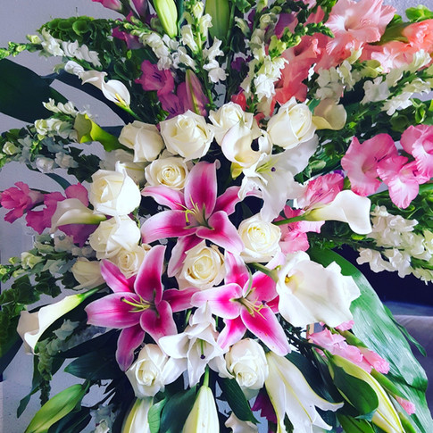 White and pink standing spray