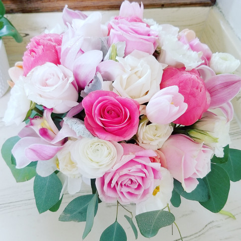 Pink and ivory rose and tulip