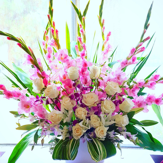 Pink and white flowers arrangement