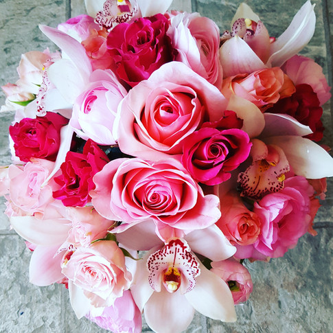 Pink roses and orchids