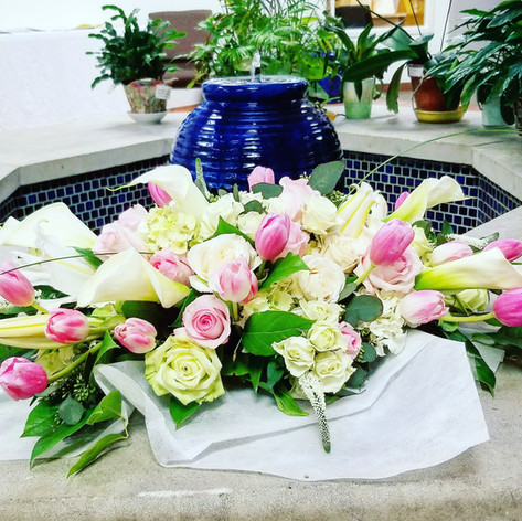 Blush pink and white flowers arrangement