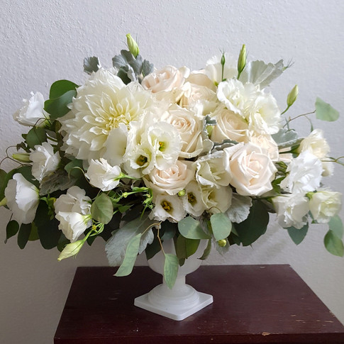 White flowers arrangmenet
