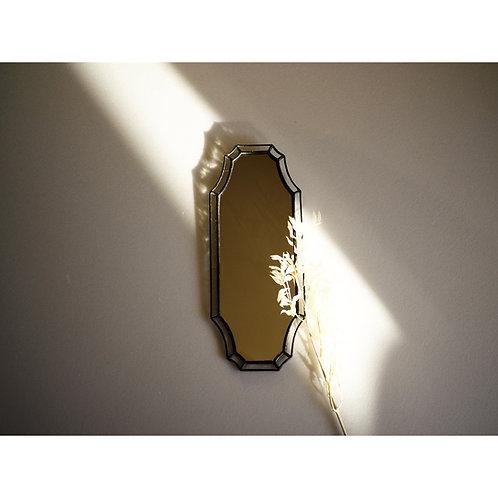 ステンドグラスの壁掛けの鏡