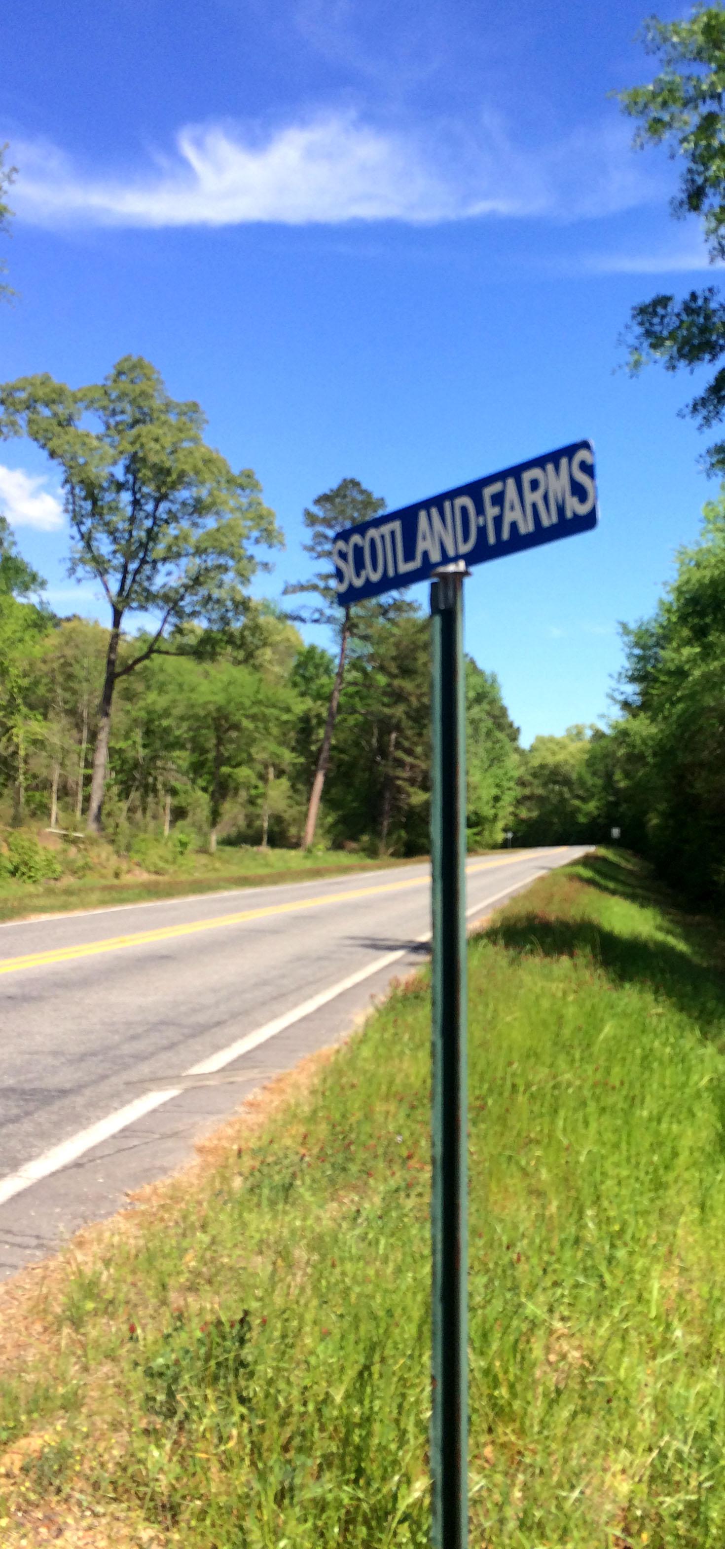Scotland Farms road sign