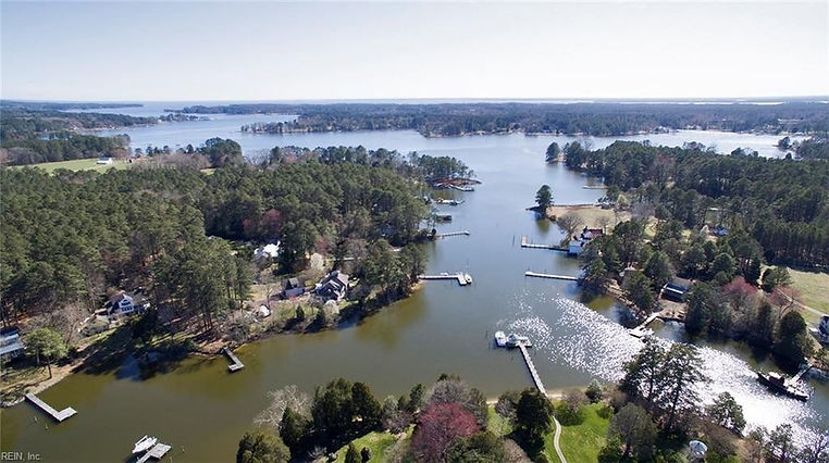 Beautiful waterfront homes and land in Virginia.