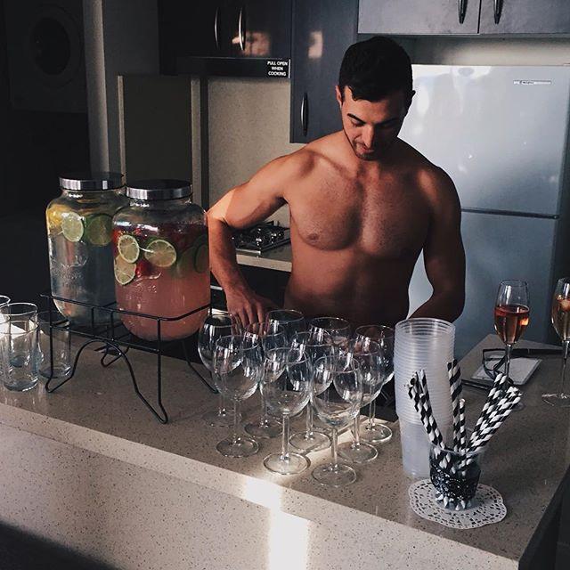 Refreshments? 🍍🍹🍸🍓