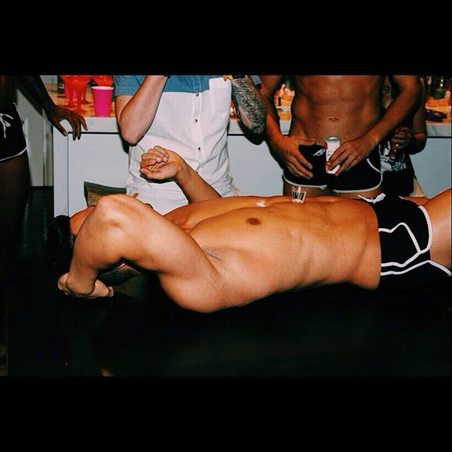 Bodyshots! 🍹#wefrisbeedourtrayintotheocean _#hensnights #hireme_#cabanaboys #sydneyhensnight #stays
