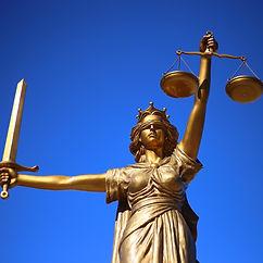 justice-2060093_1920_edited.jpg