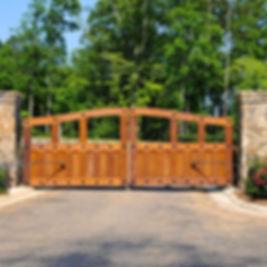 wooden-driveway-gate.jpg