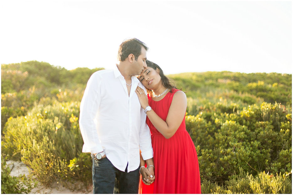 wearing red to your couple or engagement photo shoot