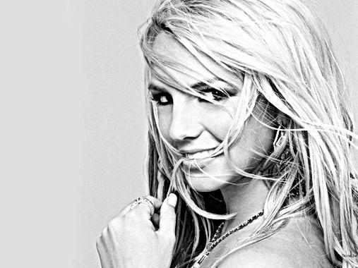 Après la boule à Z, Britney se met à nue !