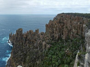 Cape Hauy walk, cape hauy hike, guided cape hauy walk, guided hiking trips hobart, tasman peninsula walk, 3 capes track, guided day hikes, day trips from hobart, tasman national park walking tracks, see tasmania hikes, see tasmania, travel an hobart