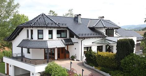 privathaus_bedachung.jpg