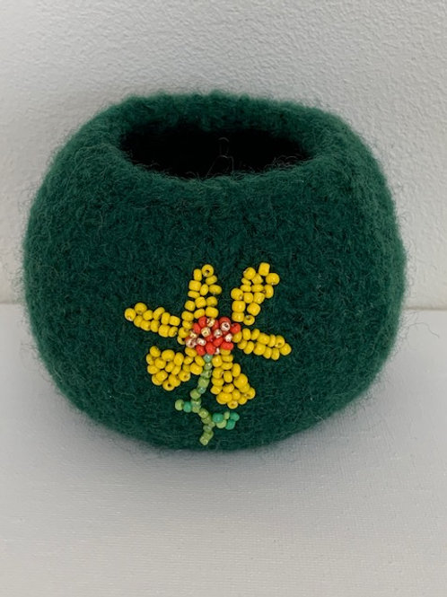 felted pot with beads - daisy