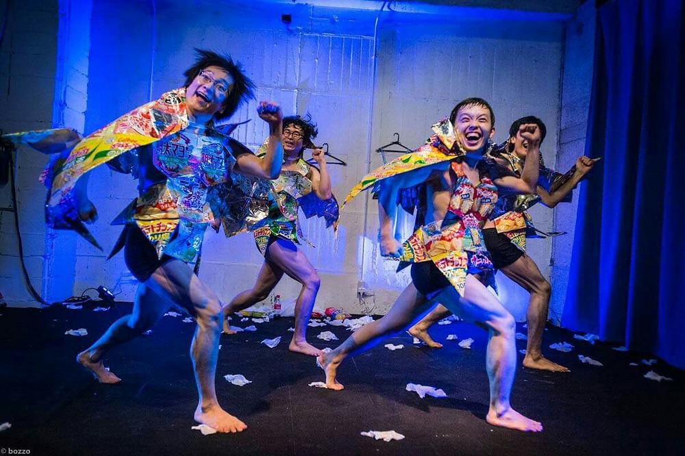 「逃げる男」舞台写真