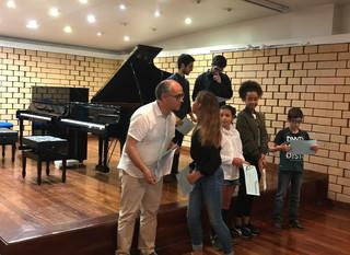 Foto-reportagem da masterclass de piano com o professor Fausto Neves
