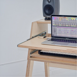 audiohousing_compact1_front03.jpeg